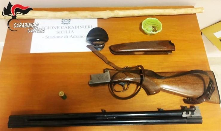 Caporal Maggiore nascondeva un fucile in casa